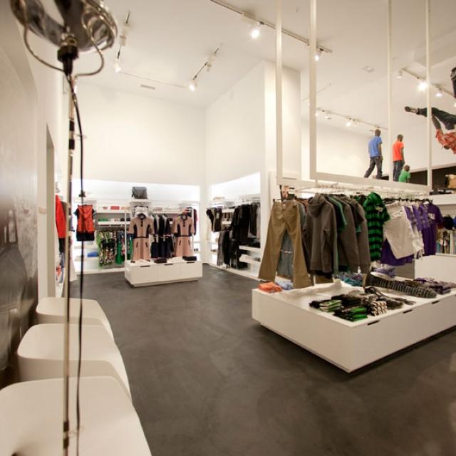 commerciale di abbigliamento