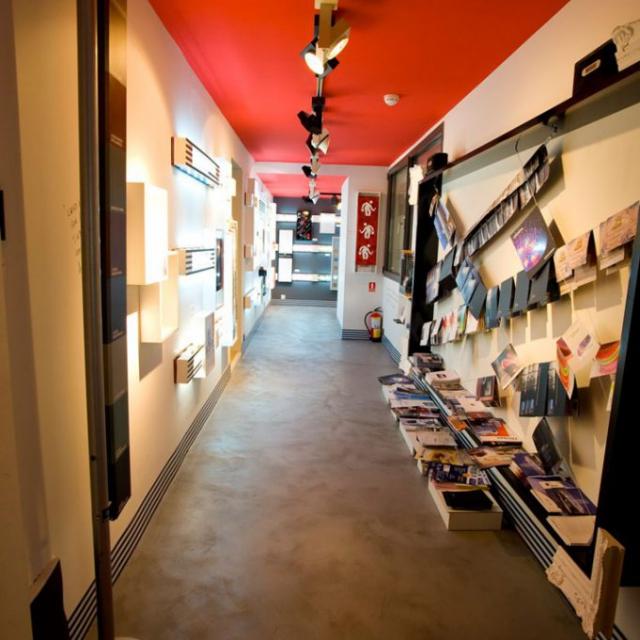 commerciale design con pavimentazione in microcemento