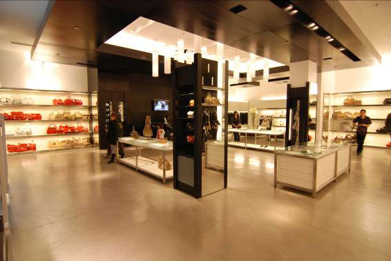 commerciale di borse e accessori da donna con struttura in microcemento